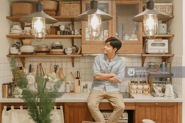 Đến thăm nhà Vinhomes của Jun Phạm: Căn bếp xinh xỉu, nội thất 300 triệu toàn đồ tự lượm lặt và được bạn bè tặng - Ảnh 4.