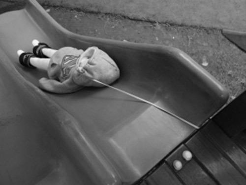Từ câu chuyện bé gái 10 tuổi  suýt chết vì chiếc khăn quàng cổ, có 6