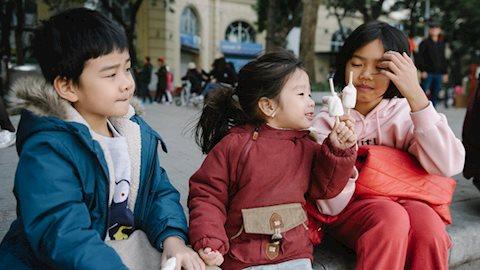 """Điều trái ngang nhưng lại cực hợp lý của người Hà Nội: Trời càng rét lạnh, càng phải lên Hồ ăn kem mới là biết """"chơi Đông"""""""
