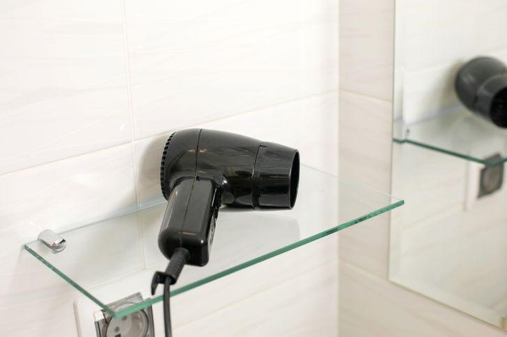 10 đồ dùng không bao giờ nên đặt trong phòng tắm - Ảnh 8.