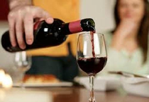 """Tác hại của rượu tới """"chuyện ấy"""" - Ảnh 1."""