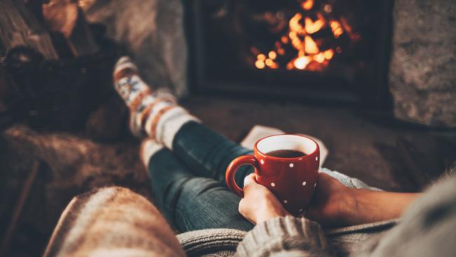 Có 3 kiểu sưởi ấm cơ thể khi trời lạnh sâu hầu như nhà nào cũng dễ mắc, chuyên gia khuyến cáo phải thay đổi ngay để tránh nguy cơ đột ngột hôn mê, thậm chí là tử vong - Ảnh 4.