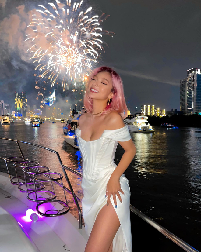 Vẻ gợi cảm của con gái hoa hậu điện ảnh Thanh Xuân và chưởng môn Vịnh Xuân - Ảnh 13.