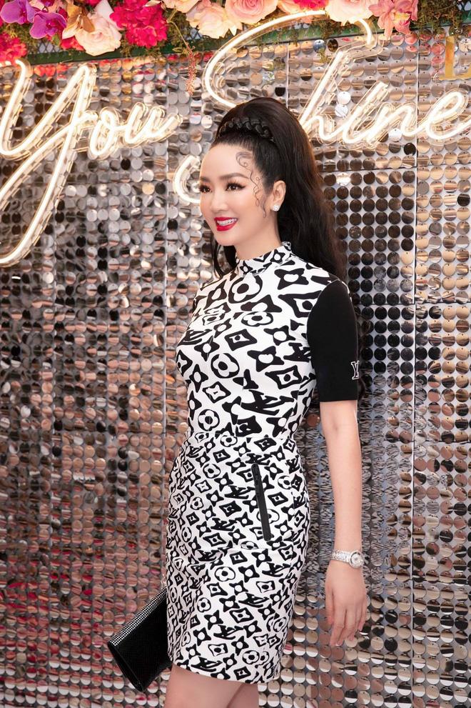 Tuổi 45, Trương Ngọc Ánh vẫn sexy, nổi bật tại sự kiện - Ảnh 11.
