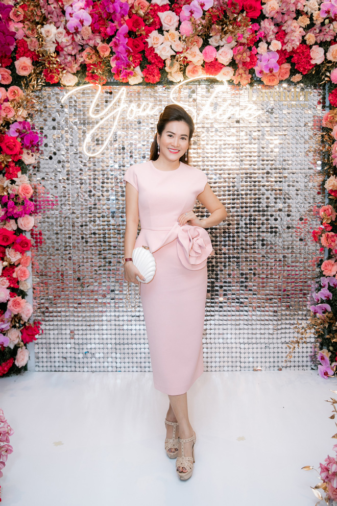 Tuổi 45, Trương Ngọc Ánh vẫn sexy, nổi bật tại sự kiện - Ảnh 13.