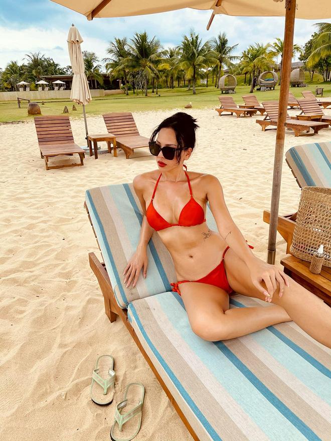 Vẻ nóng bỏng tuổi 33 của nữ siêu mẫu bị đồn yêu hoa hậu Kỳ Duyên - Ảnh 1.