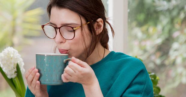 Sáng thức dậy chỉ cần làm đủ 4 việc sau là có thể vệ sinh sạch ruột, giải trừ độc tố và giảm cân hiệu quả - Ảnh 1.