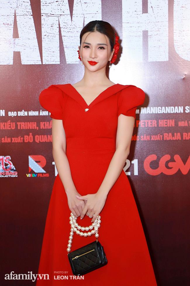 Việt Hương táo bạo với váy xẻ ngực sâu, con trai Anh Thư càng lớn càng điển trai đặc biệt là chiều cao vượt trội cả mẹ - Ảnh 8.