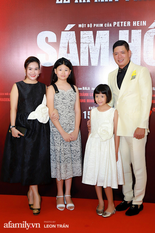 Việt Hương táo bạo với váy xẻ ngực sâu, con trai Anh Thư càng lớn càng điển trai đặc biệt là chiều cao vượt trội cả mẹ - Ảnh 4.