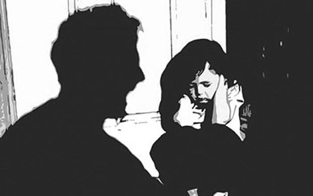 Gia đình tố cáo hàng xóm nhiều lần dâm ô con gái 10 tuổi rồi cho tiền mua kẹo - Ảnh 1.
