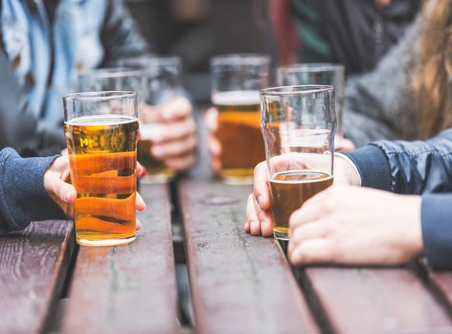 Ăn vặt, hút thuốc, uống rượu - toàn thói quen xấu khó bỏ: TS Mỹ chỉ 5 bí quyết vàng phá vỡ mọi thói quen tồi tệ - Ảnh 2.