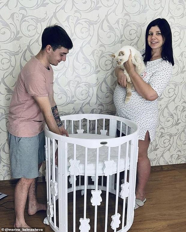 KOL nổi tiếng gây sốc khi ly dị để lấy con riêng của chồng mình nuôi từ tấm bé, thái độ của mẹ chồng gây hoang mang cực độ - Ảnh 5.