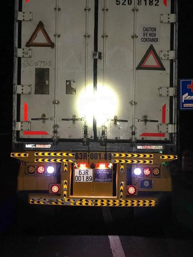 Kinh hoàng vụ thi thể nạn nhân bị container kéo lê gần 60km: Vụ va chạm có tiếng động mạnh, tạo ra tia lửa kéo dài - Ảnh 6.
