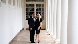 Con gái út Tổng thống Donald Trump đính hôn tại Nhà Trắng