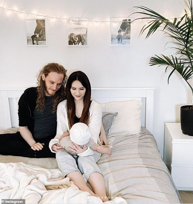 Quyết định cho con nằm giường thay cho nằm cũi, bà mẹ không ngờ mình lại bị ném đã dữ dội chỉ vì một lý do - Ảnh 4.