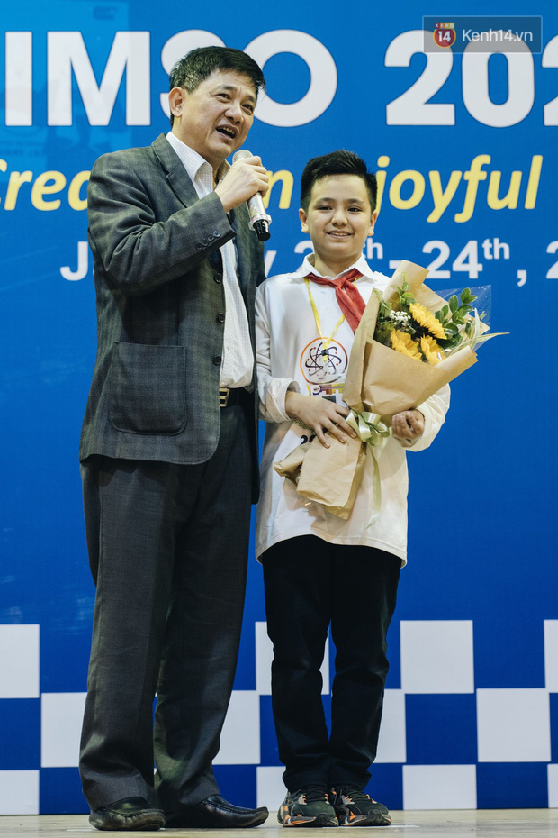 2 nam sinh lớp 6 giành HCV Olympic Toán và Khoa học quốc tế - Ảnh 8.