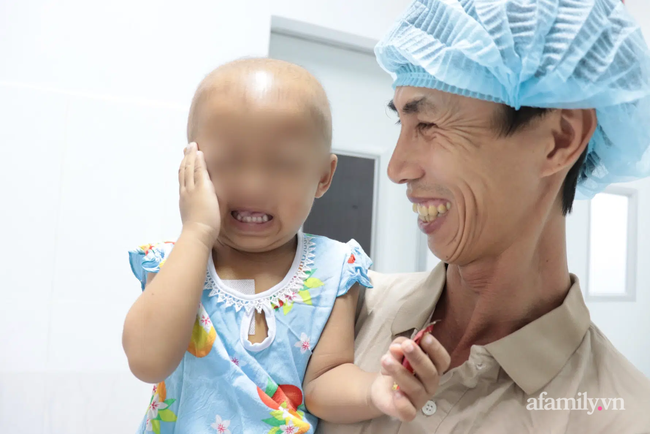 TP.HCM: Lần đầu tiên, bệnh viện nhi đồng ghép tế bào gốc tự thân cứu bé gái có tỉ lệ sống chỉ còn 12% - Ảnh 5.