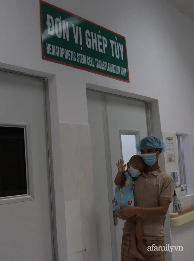 TP.HCM: Lần đầu tiên, bệnh viện nhi đồng ghép tế bào gốc tự thân cứu bé gái có tỉ lệ sống chỉ còn 12% - Ảnh 4.