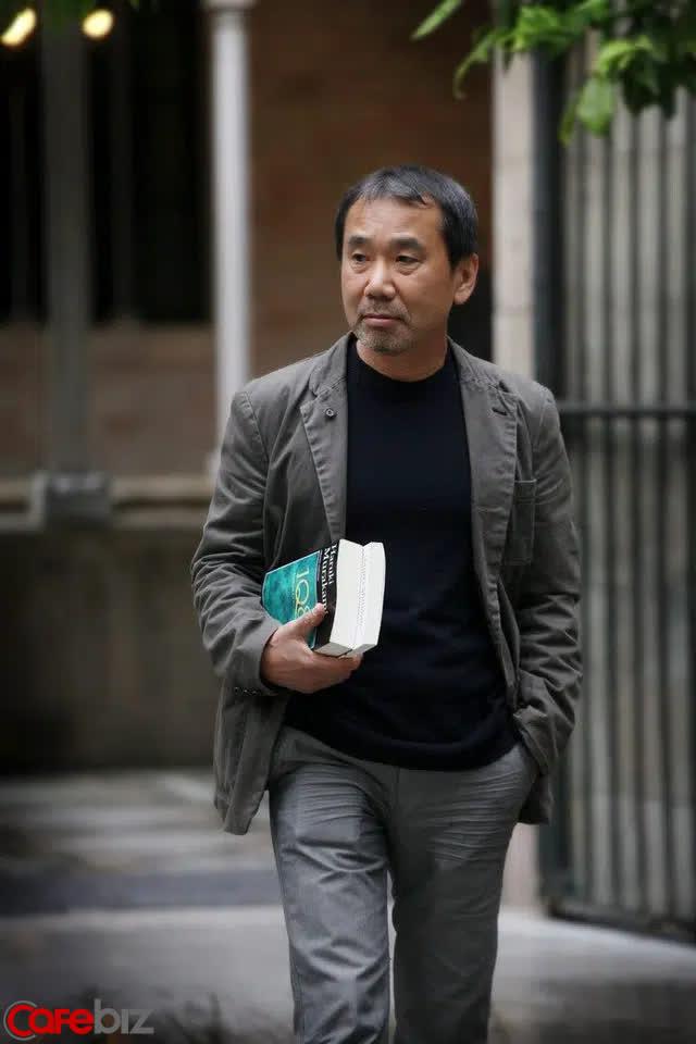 30 tuổi vẫn độc thân, hãy đọc Murakami Haruki: Đừng vì cô đơn quá lâu mà bước vào một mối quan hệ tạm bợ - Ảnh 2.