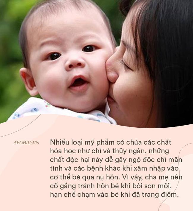 Bé gái 18 tháng tuổi bị nhiễm vi rút sinh dục từ nụ hôn của mẹ, cảnh báo không hôn trẻ khi mắc 9 tình huống này - Ảnh 4.