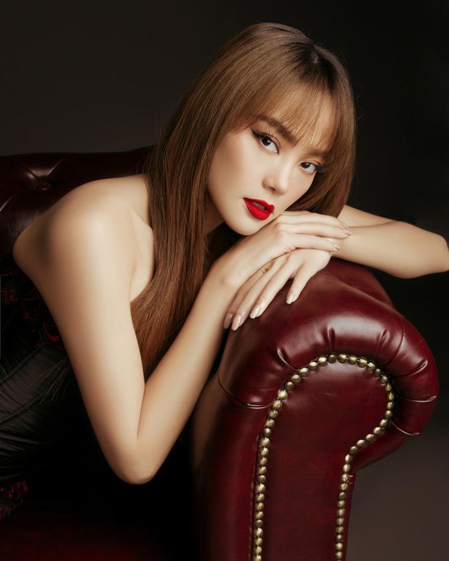 Dàn mỹ nhân Việt xinh đẹp, giàu có nhưng vẫn độc thân: Lý Nhã Kỳ, Thanh Hằng chưa một lần tiết lộ bạn trai, Sam đặt tiêu chuẩn gây tranh cãi - Ảnh 3.