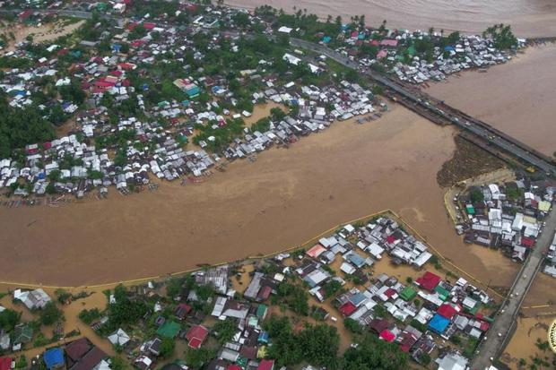 Philippines sơ tán5.000 người để tránhbão Dujuan - Ảnh 1.