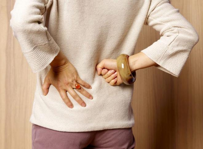 10 triệu chứng thoát vị đĩa đệm bạn cần lưu ý - Ảnh 2.