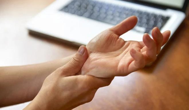 10 triệu chứng thoát vị đĩa đệm bạn cần lưu ý - Ảnh 5.