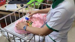 Bé 3 tháng tuổi nguy kịch trong bệnh viện bị mẹ ruột bỏ rơi