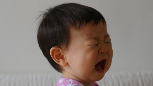 Khác biệt rõ rệt giữa một đứa trẻ tự ngủ và đứa trẻ cần dỗ dành mới ngủ được, không chỉ là IQ mà còn nhiều yếu tố khác - Ảnh 1.