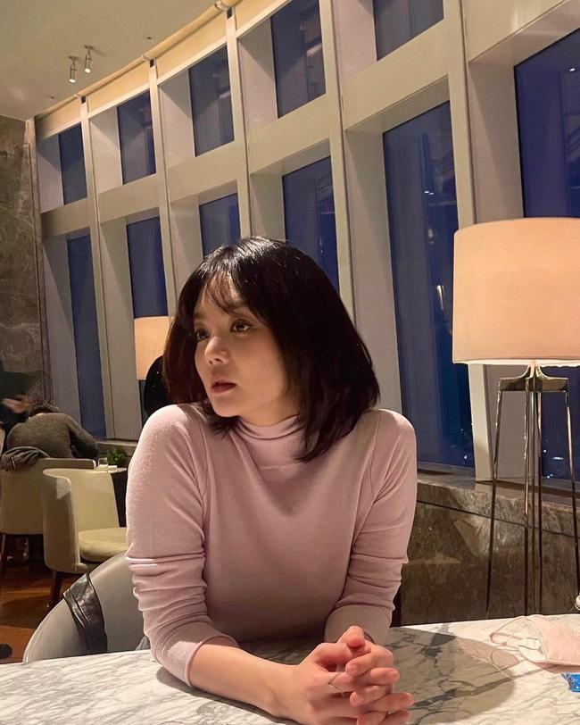 Chae Rim được nhận xét ngày càng xinh đẹp, nhuận sắc hơn sau khi ly hôn chồng trẻ - Ảnh 1.