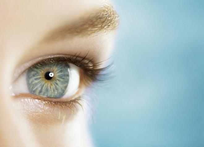 Cảnh báo những vấn đề về mắt có thể là triệu chứng của COVID-19 - Ảnh 1.
