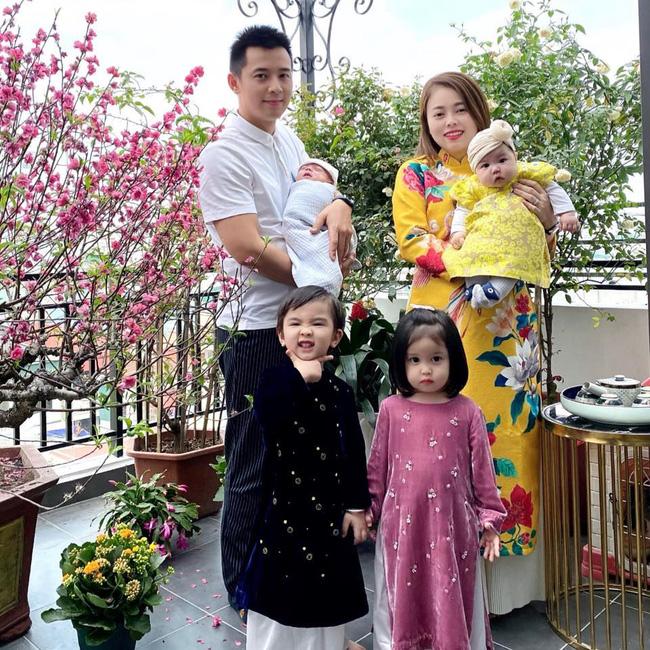 Hằng Túi khoe ảnh Tết đoàn viên với 6 bé cưng của mình, nhưng hình ảnh 5 bà giúp việc tươi cười mới là chi tiết đáng chú ý - Ảnh 3.