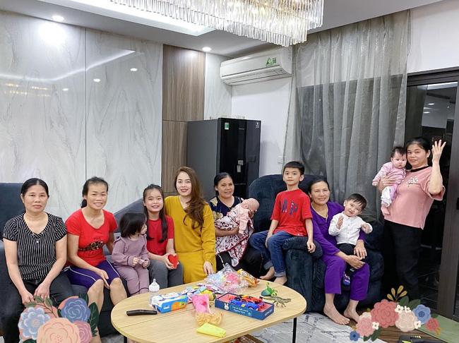 Hằng Túi khoe ảnh Tết đoàn viên với 6 bé cưng của mình, nhưng hình ảnh 5 bà giúp việc tươi cười mới là chi tiết đáng chú ý - Ảnh 2.