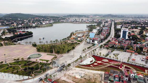 Toàn cảnh TP. Chí Linh trước giờ gỡ phong tỏa - Ảnh 1.