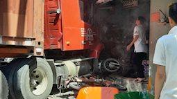 TP.HCM: Xe container đâm vào nhà dân, một người tử vong tại chỗ