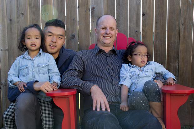 Ứa nước mắt nghe chuyện về cặp vợ chồng Canada tìm sự sống cho 2 con nuôi gốc Việt: Chuẩn bị sẵn hũ đựng tro cốt vì chẳng còn nhiều hy vọng nhưng rồi phép màu đã đến! - Ảnh 11.