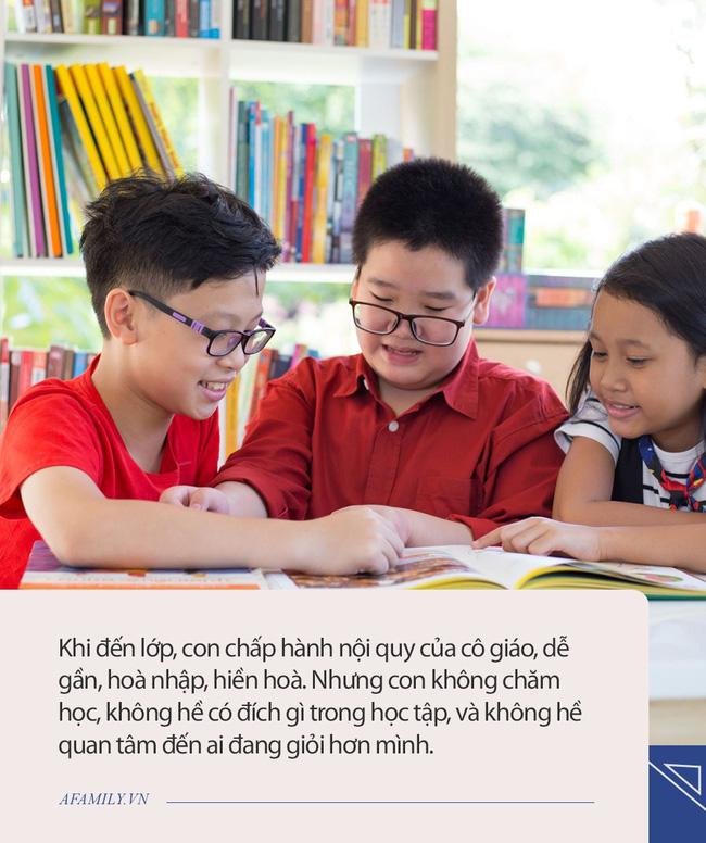 Con học tập không xuất sắc nhưng vừa tốt nghiệp đã nhận thư mời làm việc của 4 tập đoàn lớn, bà mẹ ở Hà Nội chia sẻ đôi lời mà ai đọc xong cũng thấm thía - Ảnh 2.