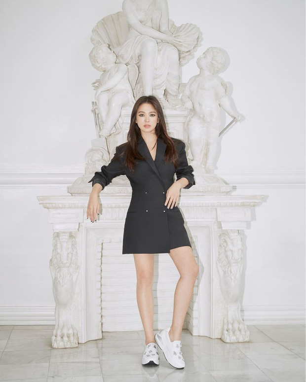 Song Hye Kyo diện blazer không bao giờ fail, sương sương cũng có 13 cách mặc trẻ và sang tuyệt đối - Ảnh 8.