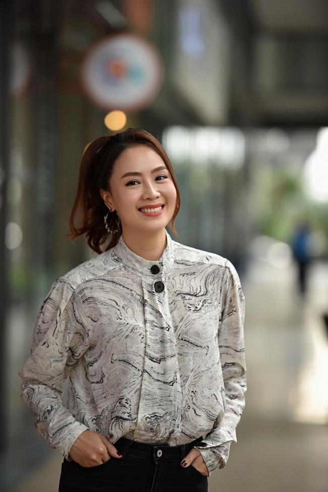 Hồng Diễm có loạt outfit chuẩn công sở mà vẫn cực trẻ xinh, chị em học theo để ghi trọn điểm thanh lịch  - Ảnh 10.