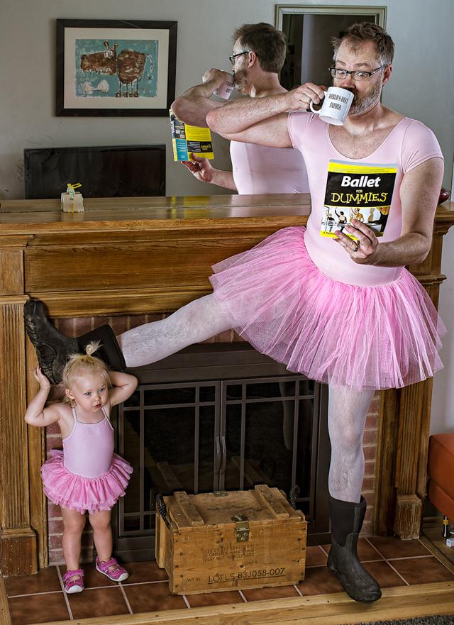 Bức ảnh ông bố hóa thân thành công chúa khiến cư dân mạng cười ngặt nghẽo vì một sự trái ngược không thể che giấu - Ảnh 3.