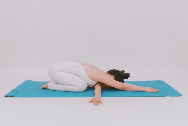 Bài tập dành cho người bị đau cổ vai gáy: Ai cần phòng ngừa đau đớn thì tập luôn và ngay - Ảnh 10.