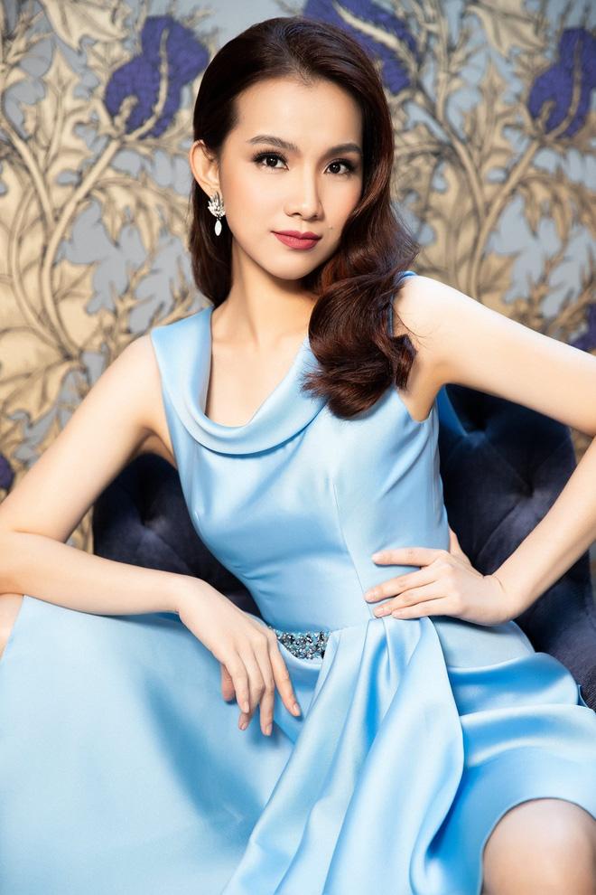Hoa hậu Hoàn vũ Việt Nam đầu tiên, lấy chồng tiến sĩ giờ ra sao? - Ảnh 9.
