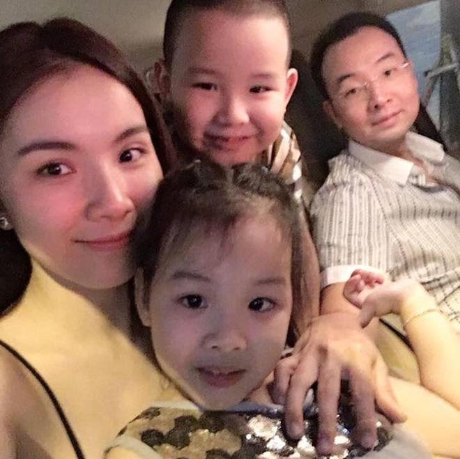 Hoa hậu Hoàn vũ Việt Nam đầu tiên, lấy chồng tiến sĩ giờ ra sao? - Ảnh 5.
