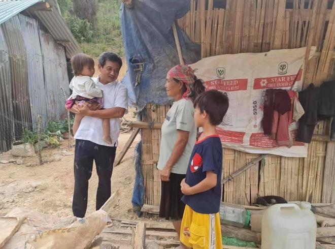 Ông Đoàn Ngọc Hải đã mở sổ tiết kiệm cho cháu bé ăn cơm chan với nước lã - Ảnh 3.
