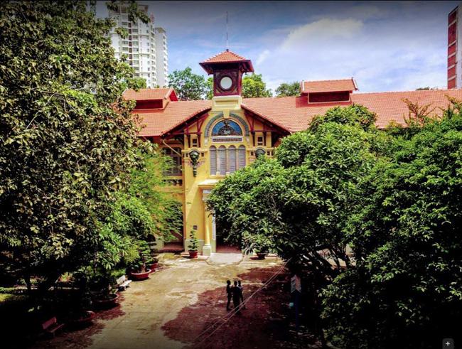 Sài Gòn có 1 ngôi trường cổ hơn 100 năm tuổi: Từng ô gạch đều đẹp đến nao lòng, sinh viên bước vào cứ ngập ngừng chẳng nỡ về - Ảnh 10.