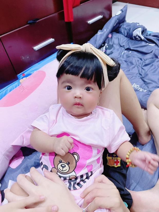 Mạc Văn Khoa khoe ảnh gia đình hạnh phúc, netizen xỉu up xỉu down với gương mặt tấu hài siêu cưng của con gái nam diễn viên - Ảnh 5.