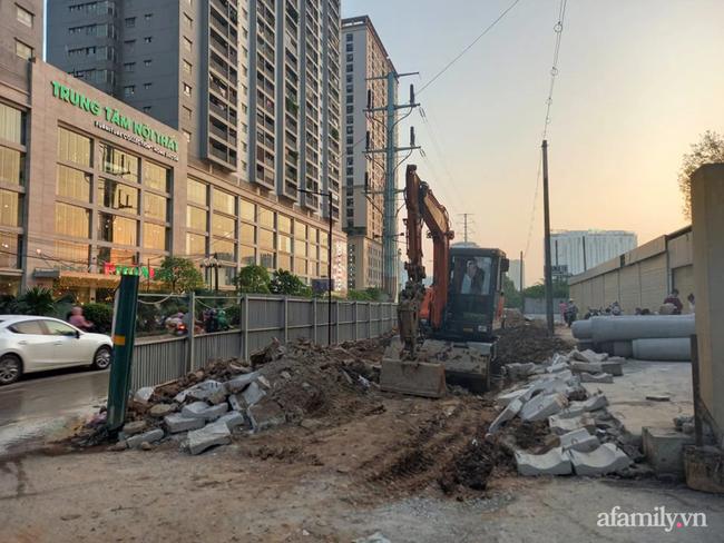 Nhân chứng kể lại chuyện đang thi công công trình bất ngờ phát hiện người đàn ông nằm dưới lòng đất: