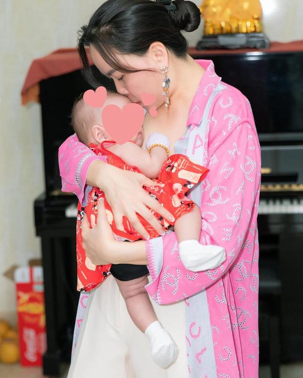 Nửa đêm Phượng Chanel bất ngờ đăng hình ảnh hiếm hoi của con gái lúc mới vài tháng tuổi? - Ảnh 2.
