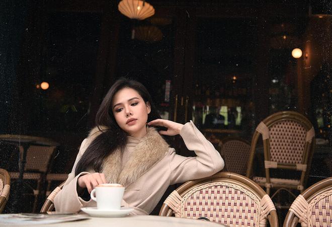 Cuộc sống như bà hoàng của mẹ bầu Phanh Lee trong hào môn: Tối ăn uống sang chảnh, sáng ra tắm nắng cực chill - Ảnh 10.